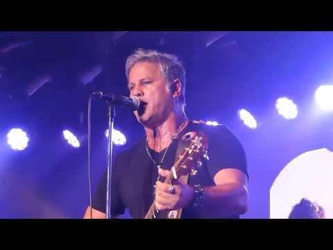 Jon Stevens Live *Hold On* Twin Towns 12/8/17