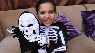 شفا خافت من الهيكل العظمي !!! Shfa is playing with Green Body Suit thumbnail