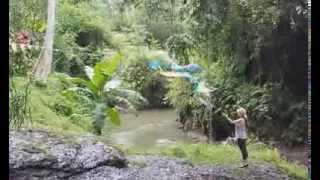cj bubble girl giant bubbles ubud bali march 14
