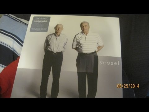 Twenty One Pilots - VESSEL LP UNBOXING (Limited Edition Clear Vinyl)