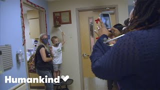 Little boy finishes chemo with a dance party   Humankind
