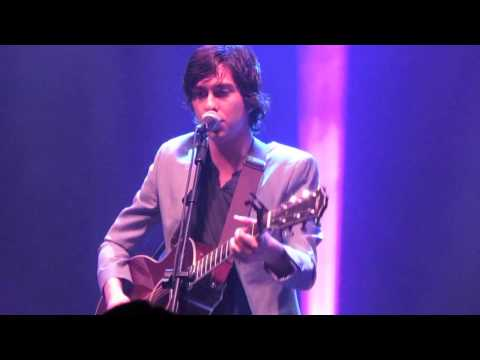 Face in the Hall - Nat and Alex Wolff