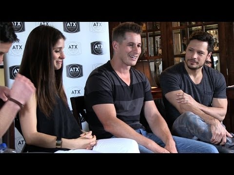 """Roswell"" Reunion: Brendan Fehr Talks About That Time He Peed Himself 