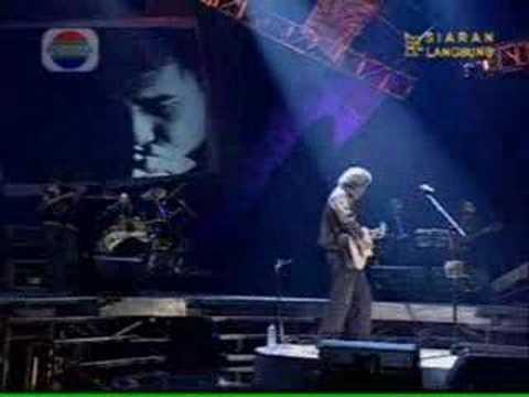 Pesawat Tempur-Iwan Fals (Live)