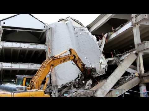 Bagger Abbruch Baustelle LKW 2013