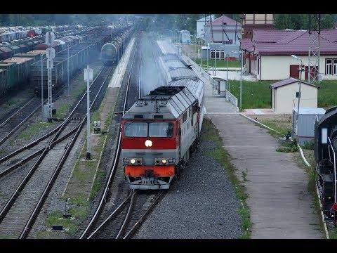ТЭП70 0256 отправляется из Сонково с пассажирским поездом №602 Москва - Рыбинск.