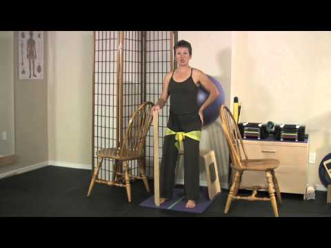 Wall Ball Squats • Tip for Fitness Professionals
