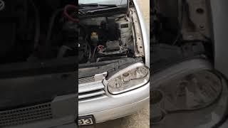 Замена лампочки Volkswagen Golf 4 .