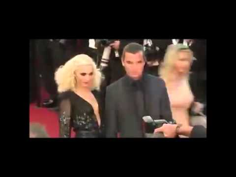Gavin Rossdale Steps Out After Gwen...