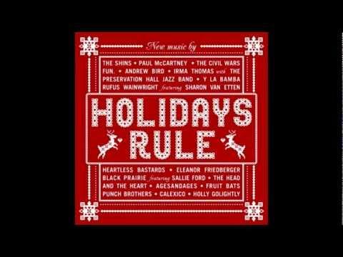 "Rufus Wainwright & Sharon Van Etten - ""Baby Its Cold Outside"""