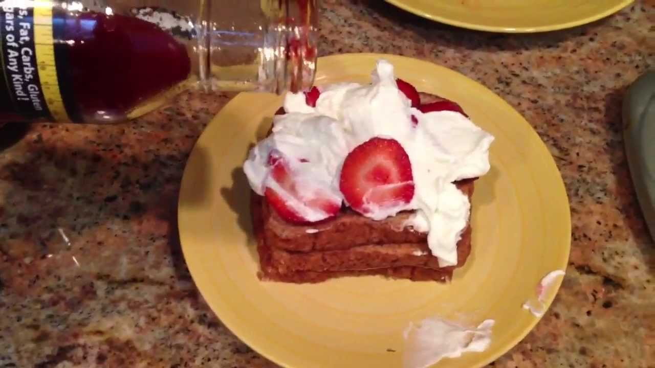 Best Bodybuilding French Toast Recipe  Low Fat, High Protein Cinnamon  Berry Yogurt!