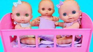 Утро Пупсов. Куклы Пупсики Проснулись и Кушают Кашу с Черникой Зырики ТВ