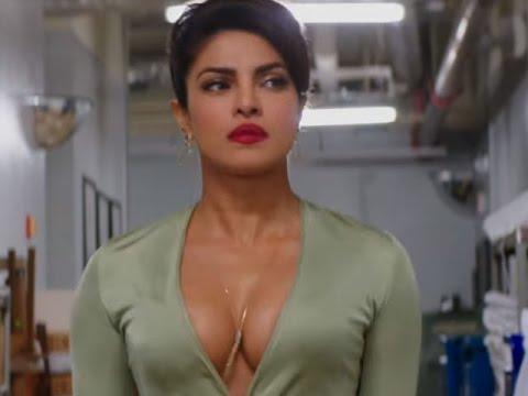 Baywatch 2017 Priyanka Chopra Vs The Rock And Zac Efron Youtube