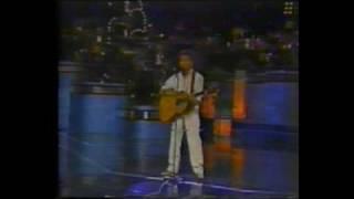 XIII Festival OTI 1984 - Fernando Ubiergo - Agualuna -Chile.flv