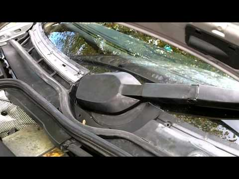how to remove Mercedes w202 windshield wiper motor assembly