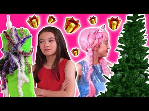 CHRISTMAS TREE COMPETITION 🎄Princess Decoration FAIL! - Princesses In Real Life | Kiddyzuzaa
