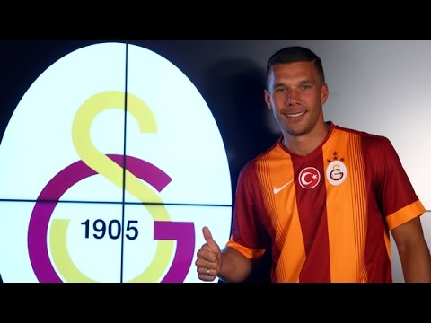 Galatasaray, Podolski ile resmi sözleşmeyi imzaladı