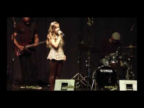 Connie Talbot, heart stopping performance - live! Over the Rainbow