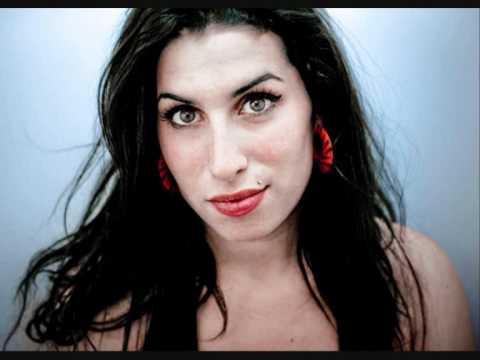 Amy Winehouse - I Should Care (Live)