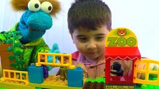 Развивающее видео + песенки для детей Зоопарк 🐎 Что едят животные?