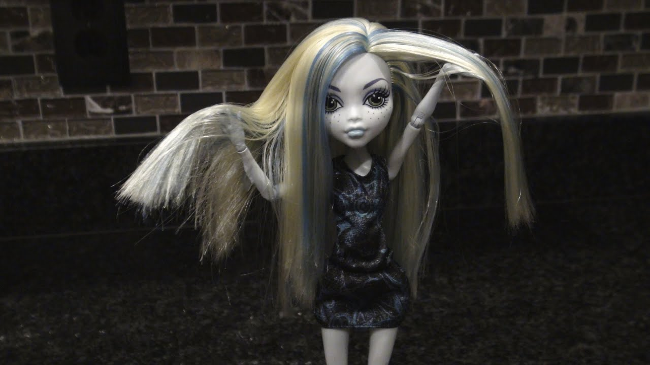 How To Wash & Clean Your Monster High Doll's Hair