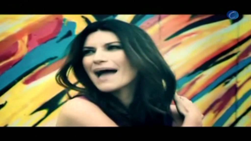 """Laura Pausini estrena su nuevo videoclip junto a Carlos Baute, """"Las cosas que no me espero"""""""