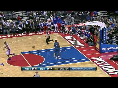 Tracy McGrady Alley-Oop Dunk on Cartier Martin