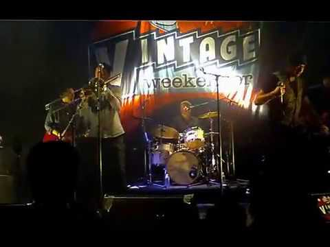 "The Liquidators ""These boots are made for walkin' !"" live @ Vintage weekender 2016"