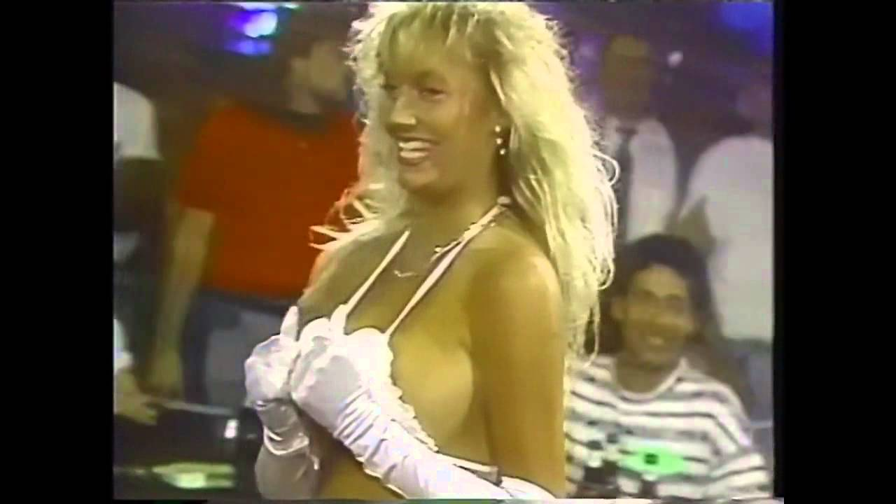 Video family nudist pageant