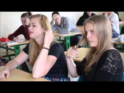 Otrzęsiny 2015 Ekonomik - Klasa IJ - Human