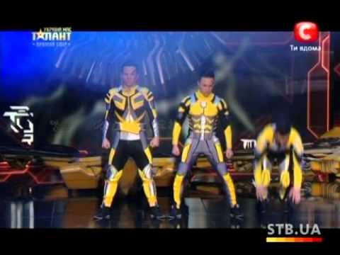 Видео: Команда Fantastic 4 Украна ма талант-5 Первый прямой эфир