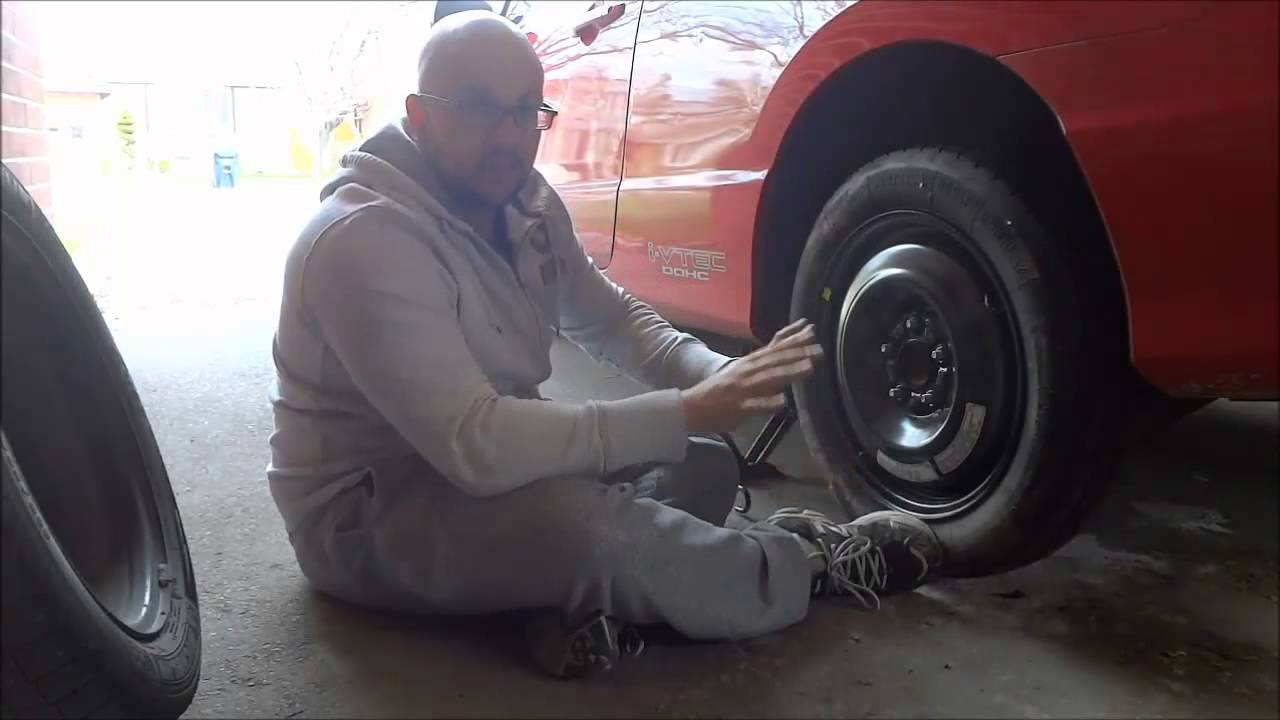 the effective steps in changing a flat tire Flat tires on your bicycle, while frustrating, are easily dealt with if you're prepared always carry a spare tube, repair kit, tire levers and a pump and follow these simple directions to get back on the road quickly most brake assemblies sit very close to your wheel rims and use a quick-release.
