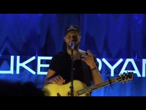 Acoustic Performance of Strip it Down (Live) by Luke Bryan
