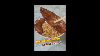 Making Gekikara Ramen Instant Noodles with Grilled Fillet Catfish is Easy #shorts
