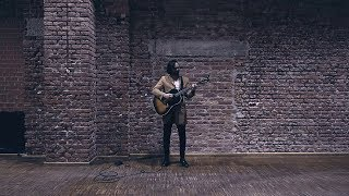 Watch Shakey Graves Dining Alone video