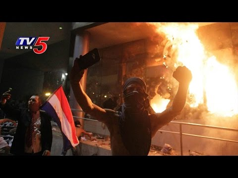 Paraguay Protesters Set fire to Parliament Building | TV5 News