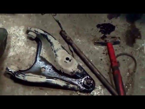 Как поменять передний рычаг рено логан