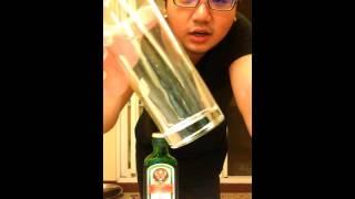 『不專業調酒教學』04-野格炸彈(Jäger Bomb)