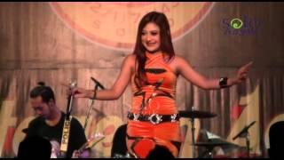 Video Sunset di Tanah Anarki - NEW SCORPIO Jandhut Reggae Live THR Sriwedari Solo download MP3, 3GP, MP4, WEBM, AVI, FLV Agustus 2017