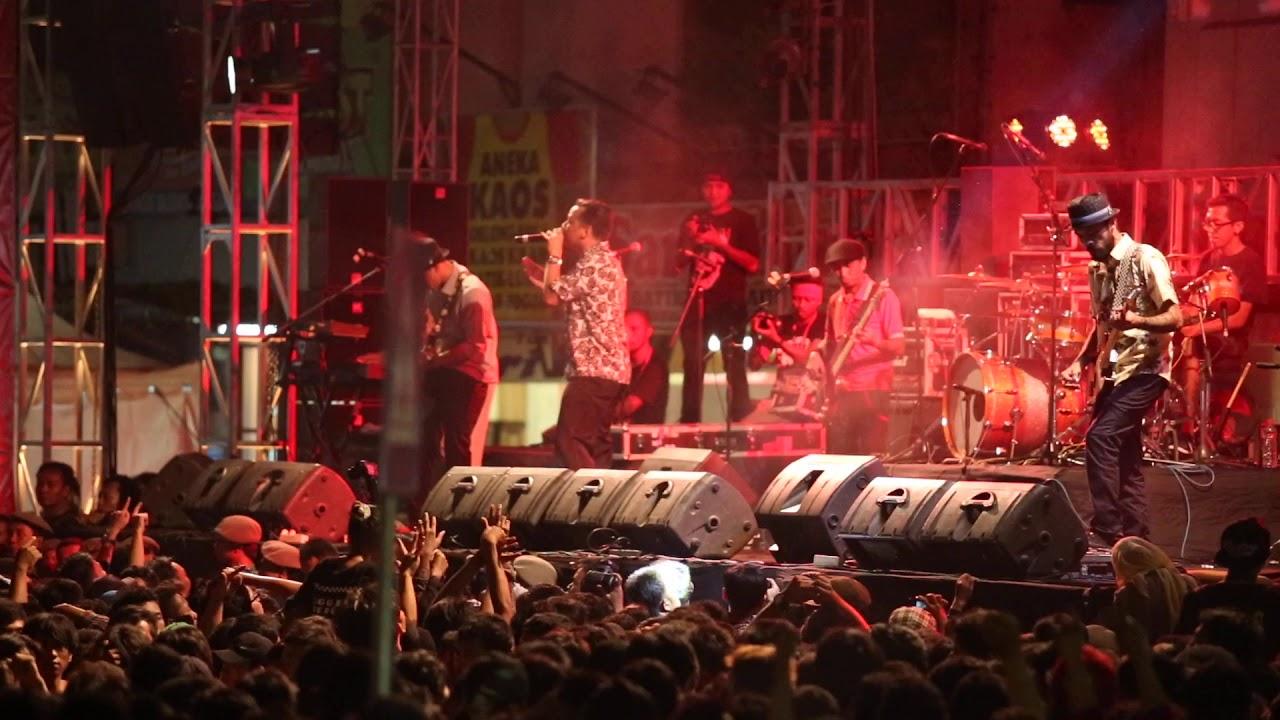 Download Kamu di Hatiku, Shaggydog konser Malioboro Yogyakarta #Shaggydog #Malioboro #Yogyakarta