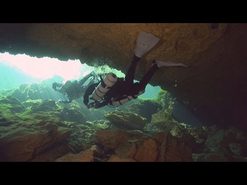 Florida Travel: Go Cave Diving at Peacock Springs