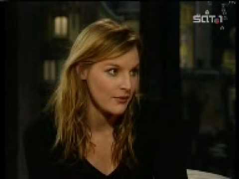 Judith Holofernes bei Harald Schmidt - 4aug2003 - YouTube