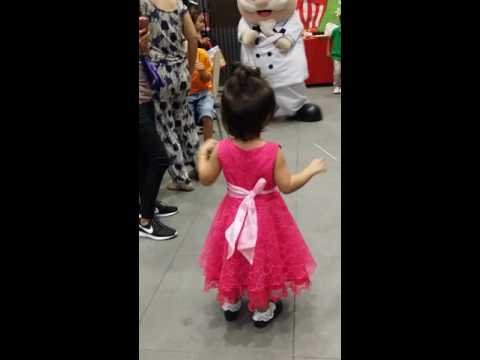 Chelsea dance with lolo kfc(3)