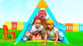 Max and Katy pretend play Nursery Rhymes & Kids Songs Rain rain go away