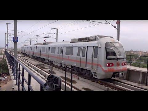 Smart Jaipur Metro Train Makes A Smooth & Smart Entry Into Jaipur Railway Station !!!
