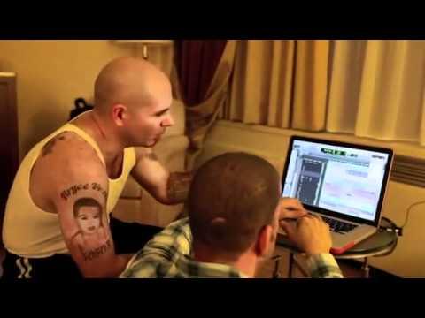 Rapper Pitbull mixes Jamie Drastik