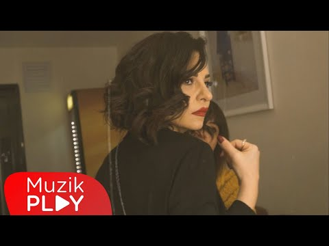 Fatma Turgut - Elimde Dünya (Official Video)