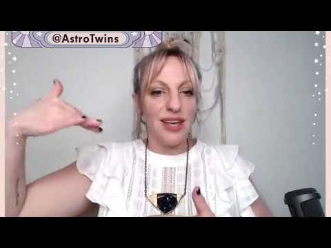 Astrology: Level Up Your 2019 Goals with the Capricorn Solar Eclipse (Jan 5)
