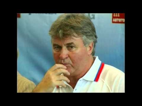 First Foreign Manager Russia Coach : Dutchman Guus Hiddink