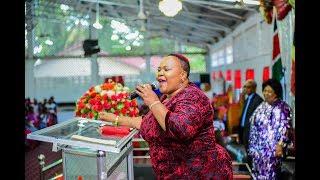 Mama mzazi wa Rev Dr Lucy Natasha Rev  Esther Wanjiru amuita Bishop Dr  Gertrude Rwakatare Simba